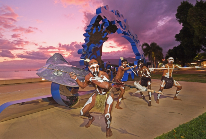 Ex Cairns Australia - 31st August 2017 Citizens of the Great barrier Reef launched with unveiling of Brian Robinson sculpture on the Cairns Esplanade. Traditional Owners welcoCitizens Gateway to the Great Barrier Reef public artwork | pic by Brian Cassey | Study Cairns